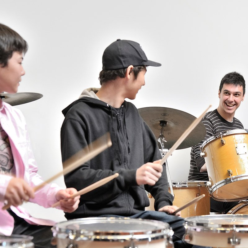 https://www.nuovascuolamusicale.com/wp-content/uploads/2019/08/corso-drums.jpg